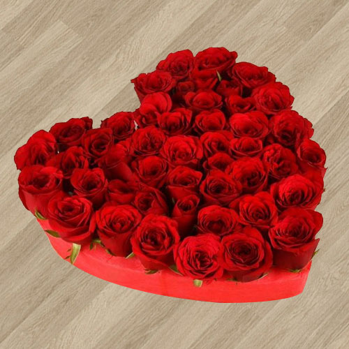 Impressive 101 Fresh Red Roses Arrangement in Heart Shape for Celebration