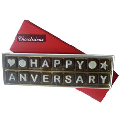 Tempting Happy Anniversary Chocolates Pack
