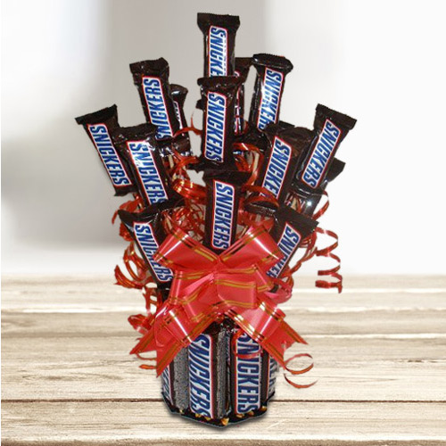Marvelous Chocolate Bouquet of Sinckers Bar