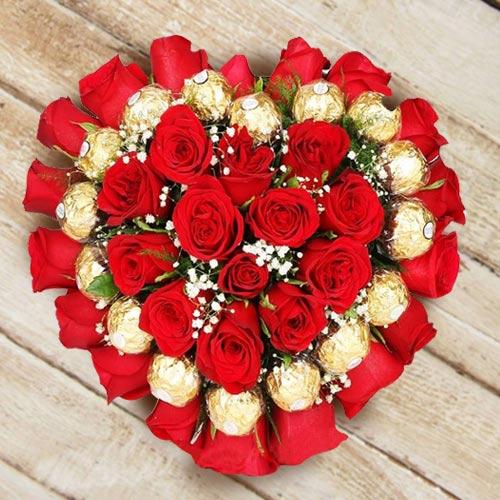Marvelous Heart Shaped Arrangement of Roses N Ferrero Rocher Chocolate