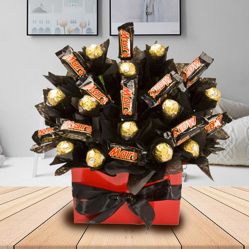 Exquisite Bouquet of Mars and Ferrero Rocher Chocolate
