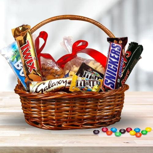 Tasty Dry Fruits n Imported Chocolates Gift Hamper