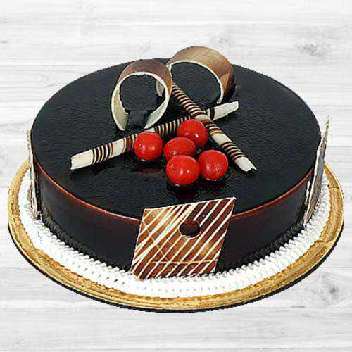 Delectable Dark Chocolate Truffle Cake