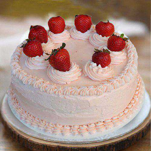 Delectable Strawberry Cake from 3/4 Star Bakery