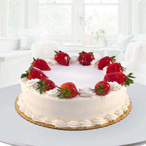 Marvelous Eggless Strawberry Cake for Mom