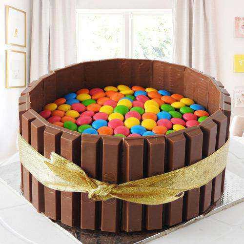 Amazing KitKat Gems Cake