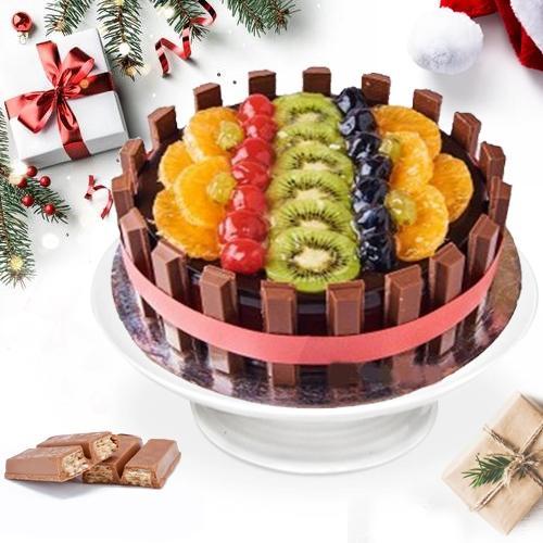 Sensational KitKat-N-Fresh_Fruits Cake Delight
