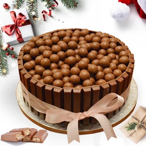 Gratifying KitKat Nutties Cake For X_Mas