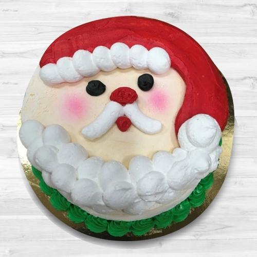 Scrumptious Santa Claus Fondant Cake