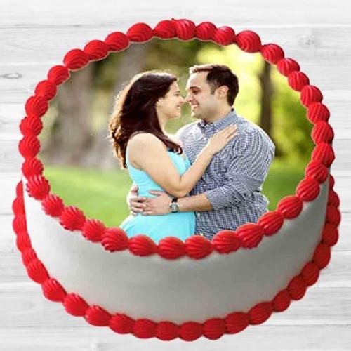 Heavenly Vanilla Photo Cake for Hug Day