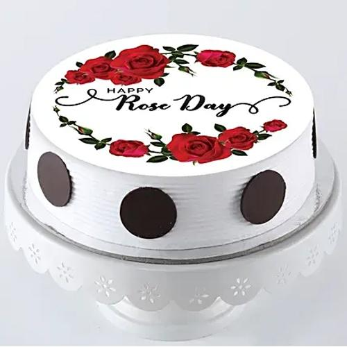 Exceptional Gift of Personalized Cake for Rose Day