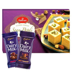Enticing Choco N Sweets Gift Hamper