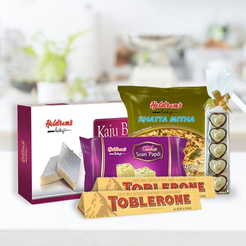 Amazing Haldirams Sweet N Savor Assortment