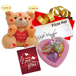 Sweet Love Hamper with Pizza Hut Gift Voucher <br><br>