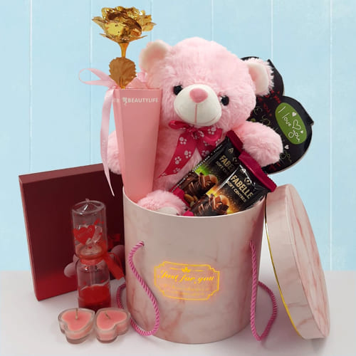 Remarkable Growing Love Gift Hamper for Your Valentine