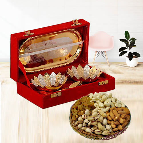 Remarkable Silver Bowl Gift Set with Crunchy Dry Fruits