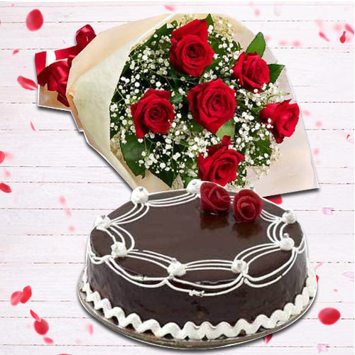 Stimulating Red Roses Bunch and Chocolate Cake