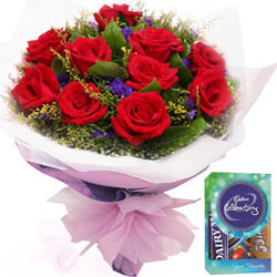 Cadbury Mini Celebrations Pack N Red Roses Bunch