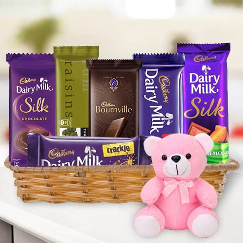 Remarkable Gift Hamper of Chocolates N Teddy