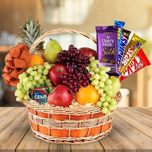 Delectable Fruits N Chocolates Gift Basket