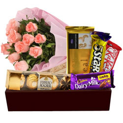 Delicious Chocolates Hamper with Pink Roses Bunch