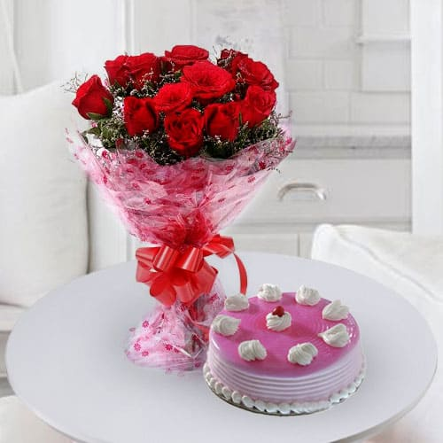 Enticing Birthday Strawberry Cake with Rose Bouquet