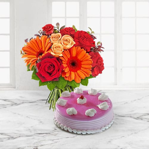 Enticing Strawberry Cake n Mixed Flowers Bouquet for Anniversary
