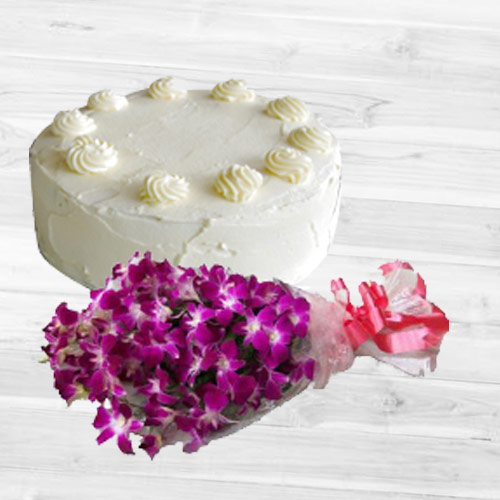 Delicious Vanilla Cake with Orchids Bouquet