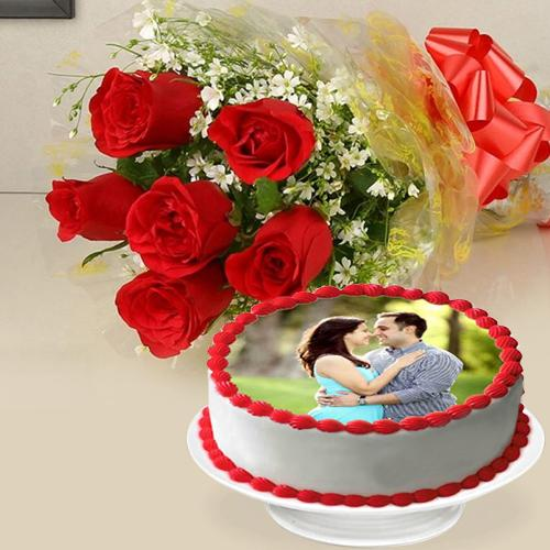 Fabulous Combo of Vanilla Photo Cake with Red Roses Posy