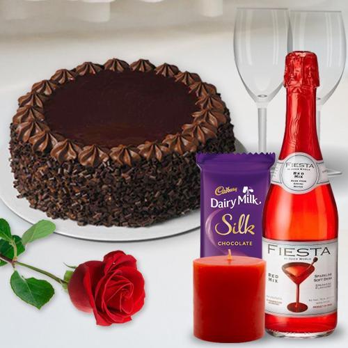 Romantic Valentine Eve Celebration Gift Hamper