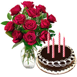 Stunning Red Roses Bunch with Chocolate Cake