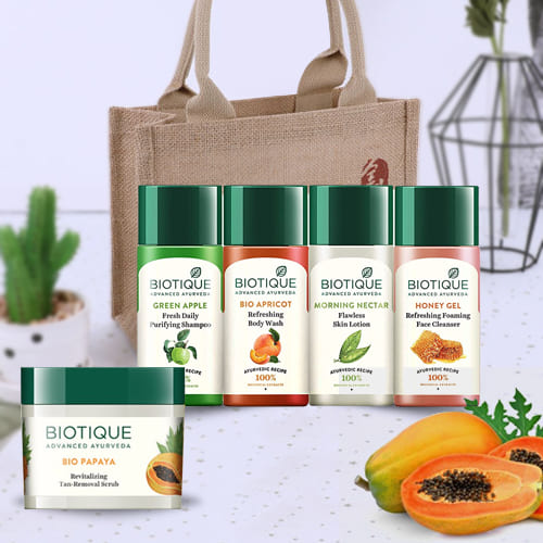 Beautifying Bio Papaya Revitalizing Tan Removal Scrub and Travel Kit from Biotique