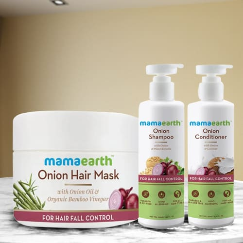 Beautifying Mamaearth Onion Anti Hairfall Spa Kit