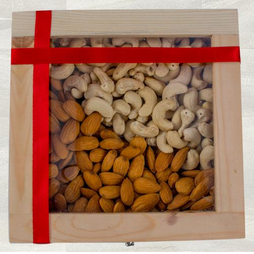 Finest Cashew n Almonds Gift Box