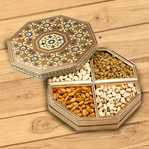 Mixed Dry Fruits Gift Box