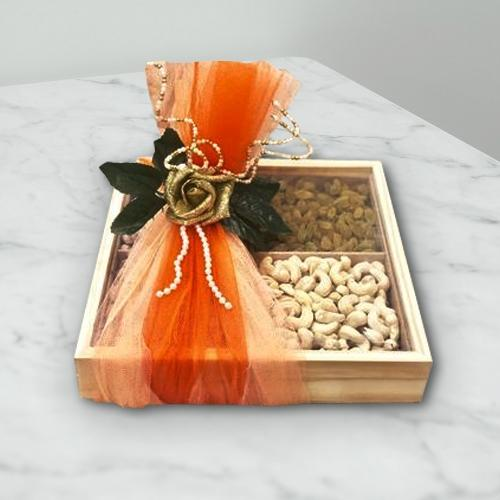 Healthy Cashew n Raisins in Gift Box