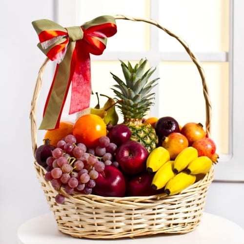 Orchard-Fresh Fruits Gift Basket
