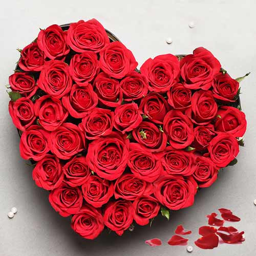 Lovely Heart Shaped Arrangement of Red Roses