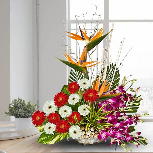 Wonderful Mixed Flowers Arrangement