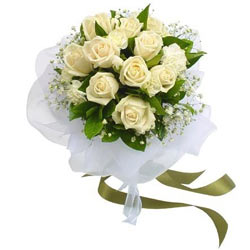 Pretty White Roses Bunch