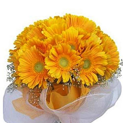 Artful Yellow Gerberas Bouquet