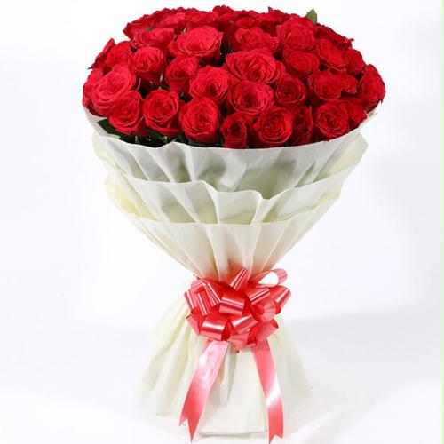 Clustered Sentimental Surprise Premium Bouquet of Dutch Roses