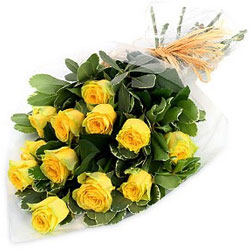 Artfully Arranged Yellow Roses Bunch