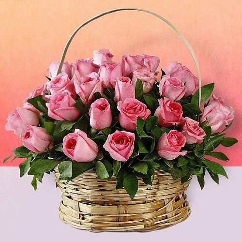 Lovely Arrangement of Pink Roses
