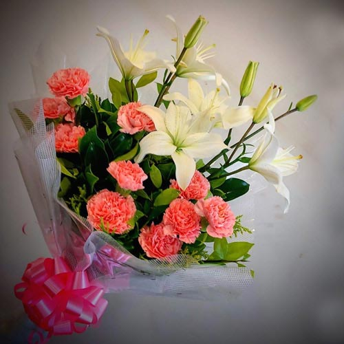 Stunning Bouquet of White Lilies N Pink Carnations