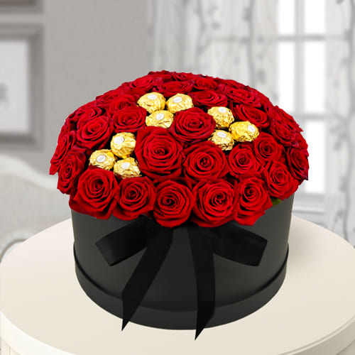 Lovely Box of Red Roses n Ferrero Rocher