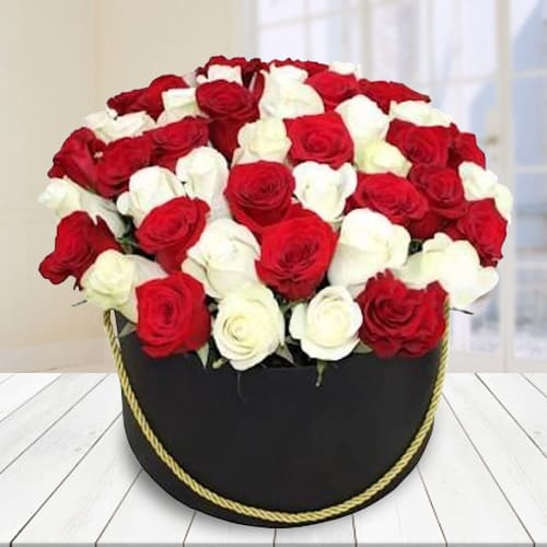 Remarkable Red and White Roses Hat Box