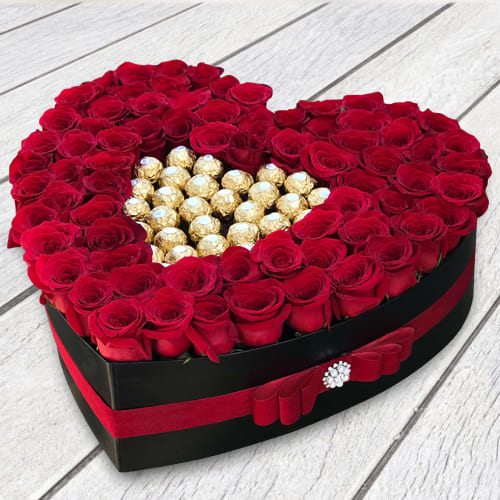Attractive Love Box of Red Roses n Ferrero Rocher