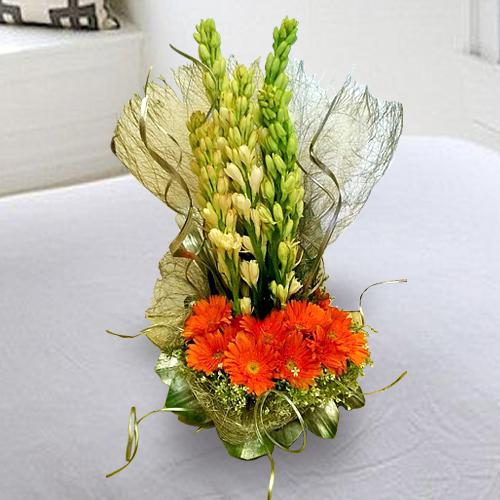 Classic Composition of White Rajnigandha with Orange Gerberas