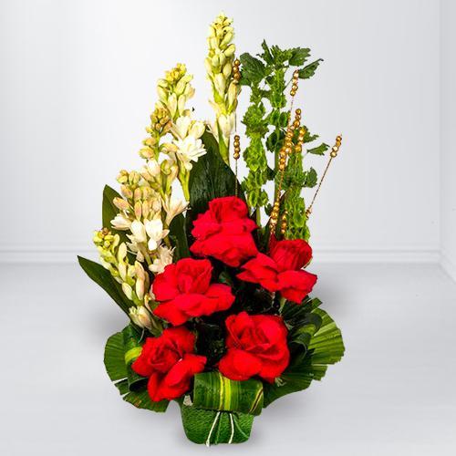 Delicate Red Rose n White Rajnigandha Arrangement